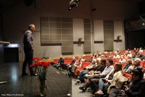 Jonas talar om det politiska läget och om möjligheterna att få igenom en progressiv politik i vårens budget.